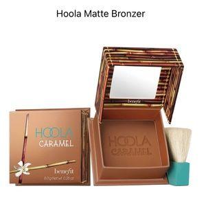 🎁 Benefit Cosmetics Hoola Matte Bronzing Powder🎁